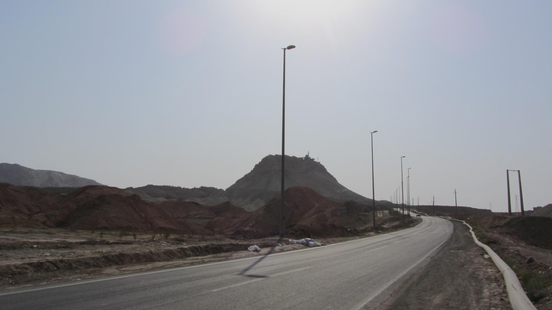 ابتدای جاده ی کوه خضر نبی
